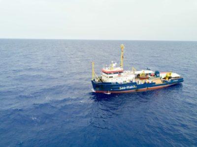 Profughi della Sea Watch a Malta